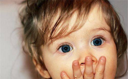 перепуганный ребенок