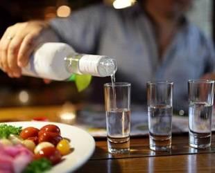 Безопасные дозы алкоголя намного ниже, чем обычный человек привык употреблять на застольях