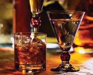 Даже после выздоровления не стоит сразу же набрасываться на алкоголь
