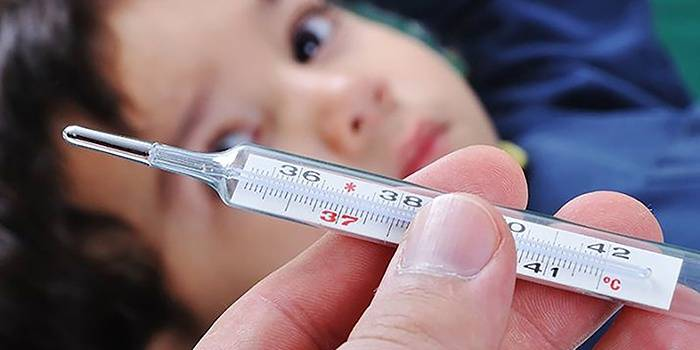 Повышенная температура ребенка после прививания