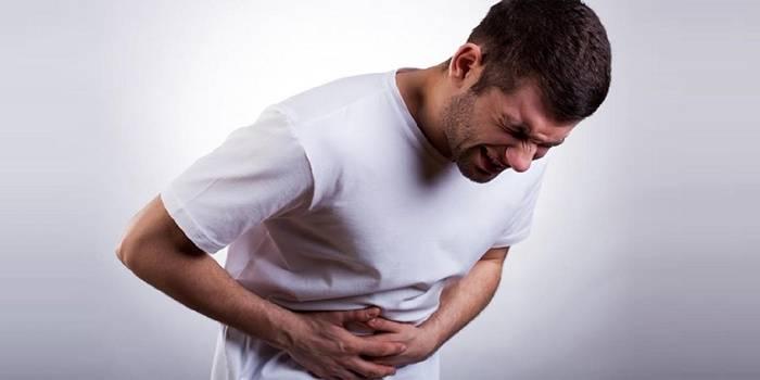 У мужчины приступ желчнокаменной болезни
