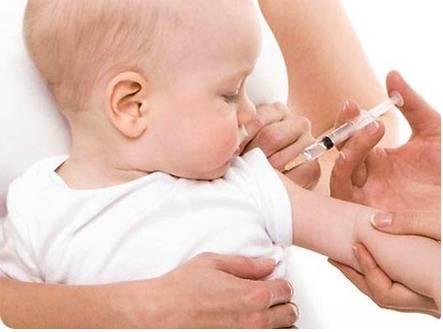 Нужно ли делать прививку от гепатита новорожденным детям
