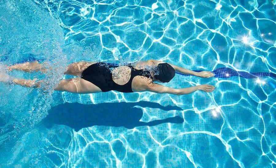 Плавание - легкий для организма способ активизировать мышцы и обменные процессы после операции