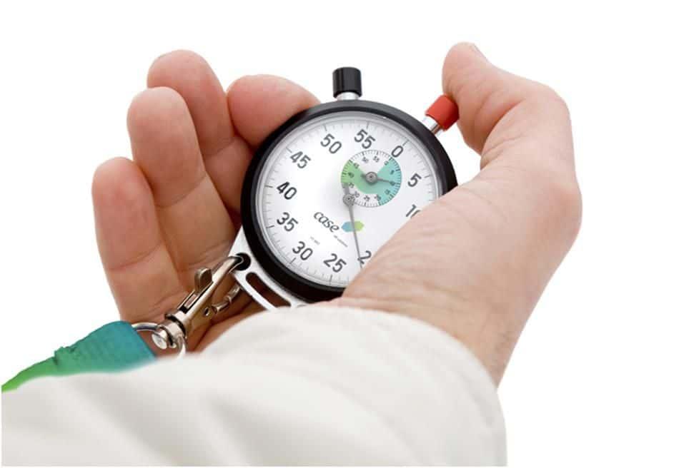 секундомер рука врач