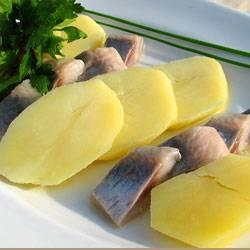 Картофель и сельдь